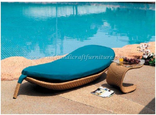 Www Handicraftfurniture Com Poly Rattan Sunbed And Swing